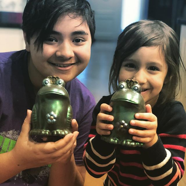 family day weekend with these two lovely kids was a delight, and huge ups to both the @tordallstars and @lauraslackchocolate for these incredibly gorgeous hand painted chocolate frog princes! best fundraiser ever? I think soooo! #chocolateforever #cousins #avamae #donovankai #familyday #love