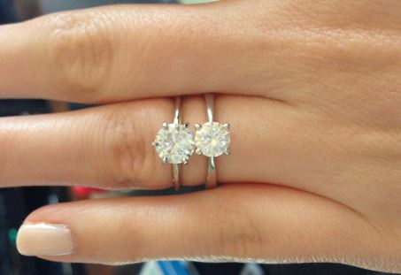 Can you tell which is the mossanite and which is the diamond? (Source: Weddingbee)