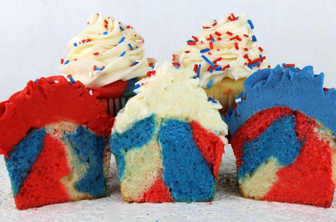 patriotic-marble-cupcakes-step8.jpg