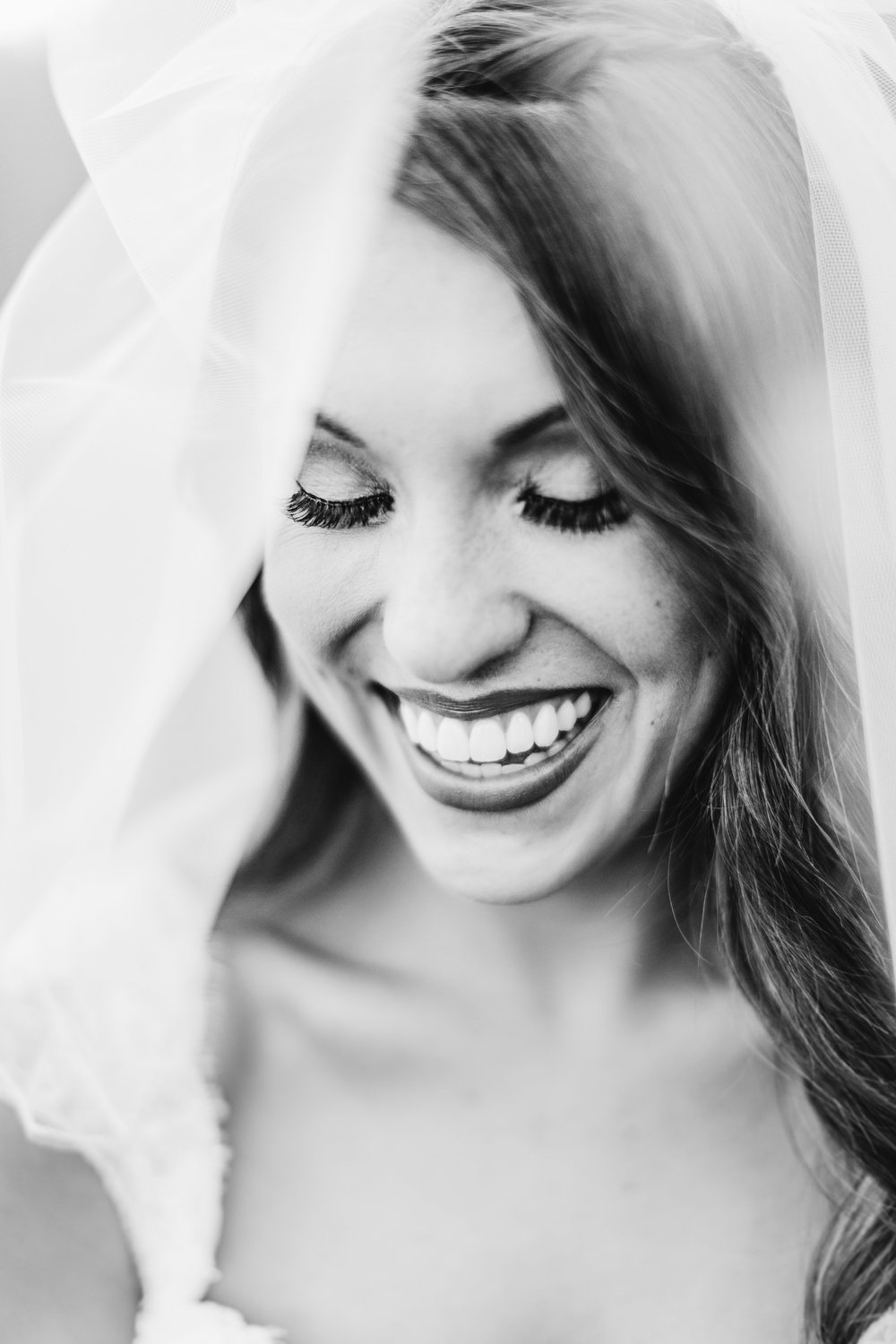 Robert+PaigeWeddingParty-95_b&w.jpg