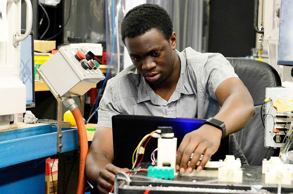 "Santa Monica College (SMC) received a MUREP MC31 grant from NASA to expand STEM education. Jonah Okike – who just transferred to Cornell University from SMC as a mechanical engineering major – conducts research in a mechanical and aerospace engineering lab at UCLA as part of the SMC-UCLA STEM ""Science and Research Initiative"" collaboration with UCLA."