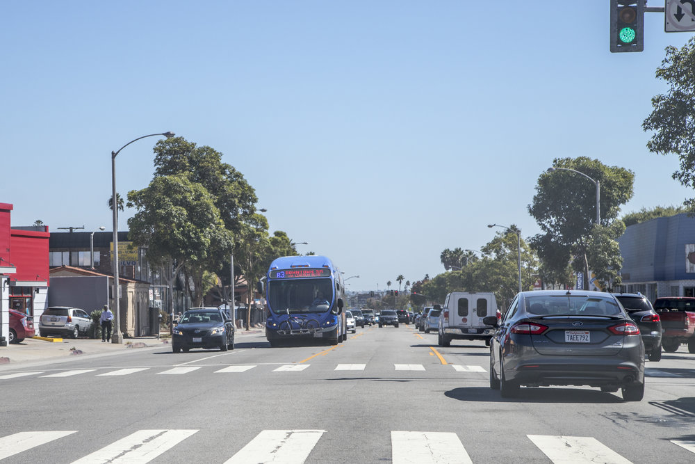 In Santa Monica, Calif. new peak hour didicated bus lanes will be included in the Lincoln Neighbohood Corridor Plan (The LiNC) which will hopefully help increase rideship and efficiency. On October 4, 2017 the Big Blue Bus commutes its daily route on Lincoln Blvd. (Photo: Jazz Shademan)