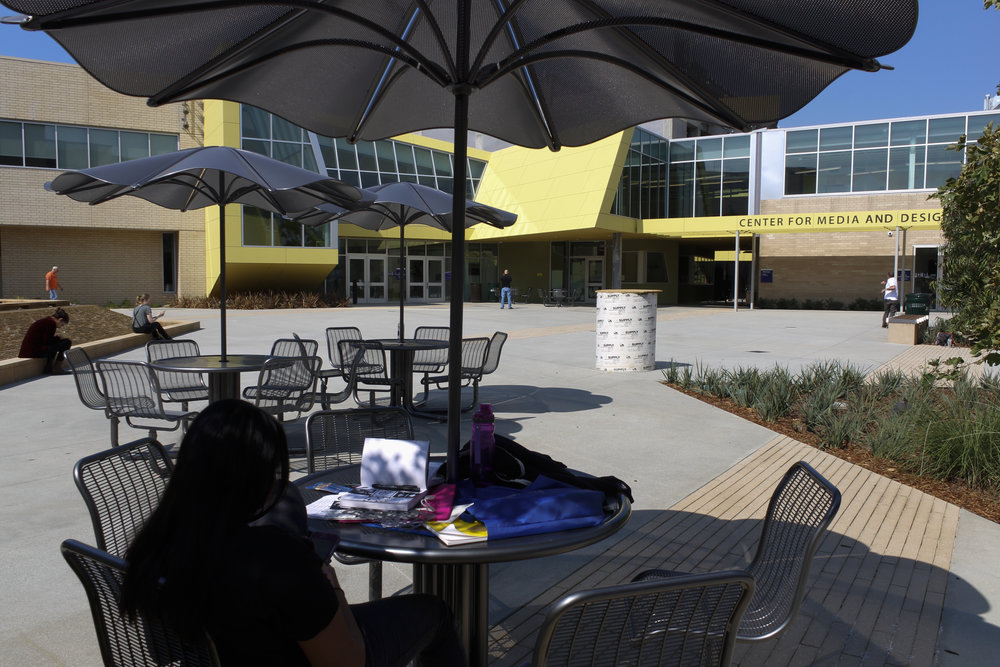 The courtyard of the new Center for Media and Design studies. Tuesday, September 26th,  at Santa Monica College, Calif. Photo by Emeline Moquillon