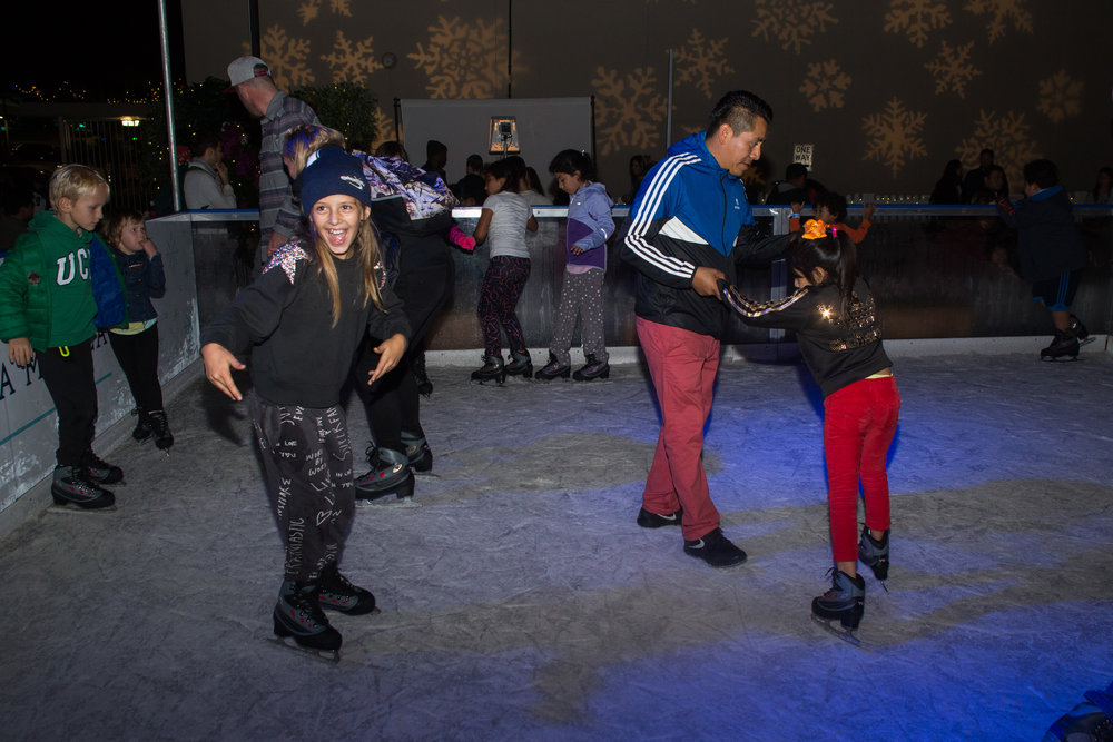 "Kids skate for free at the ""Tot Spot"" ice rink for the Grand Opening of Ice at Santa Monica in Santa Monica, Calif., November 8, 2017. (Photo By: Ripsime Avetisyan/Corsair Staff)"