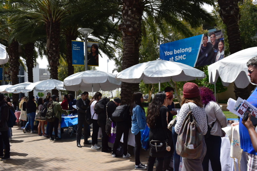 Students lining up to talk to the many employers that came to the Santa Monica College Job Fair about future job opportunities on May 8, 2018 in Santa Monica, Calif. (Claudia Vardoni/ Corsair Photo)