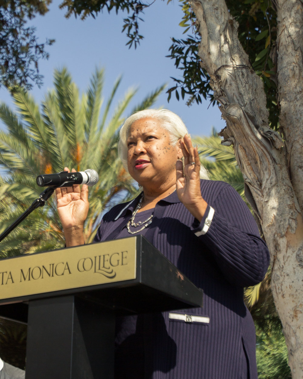 Santa Monica College President, Kathryn Jeffery addressing Pittsburgh Synagogue Shooting victims on the Santa Monica Quad area in Santa Monica, California on Tuesday October 30th 2018. (Jacob Victorica/ Corsair Photo)
