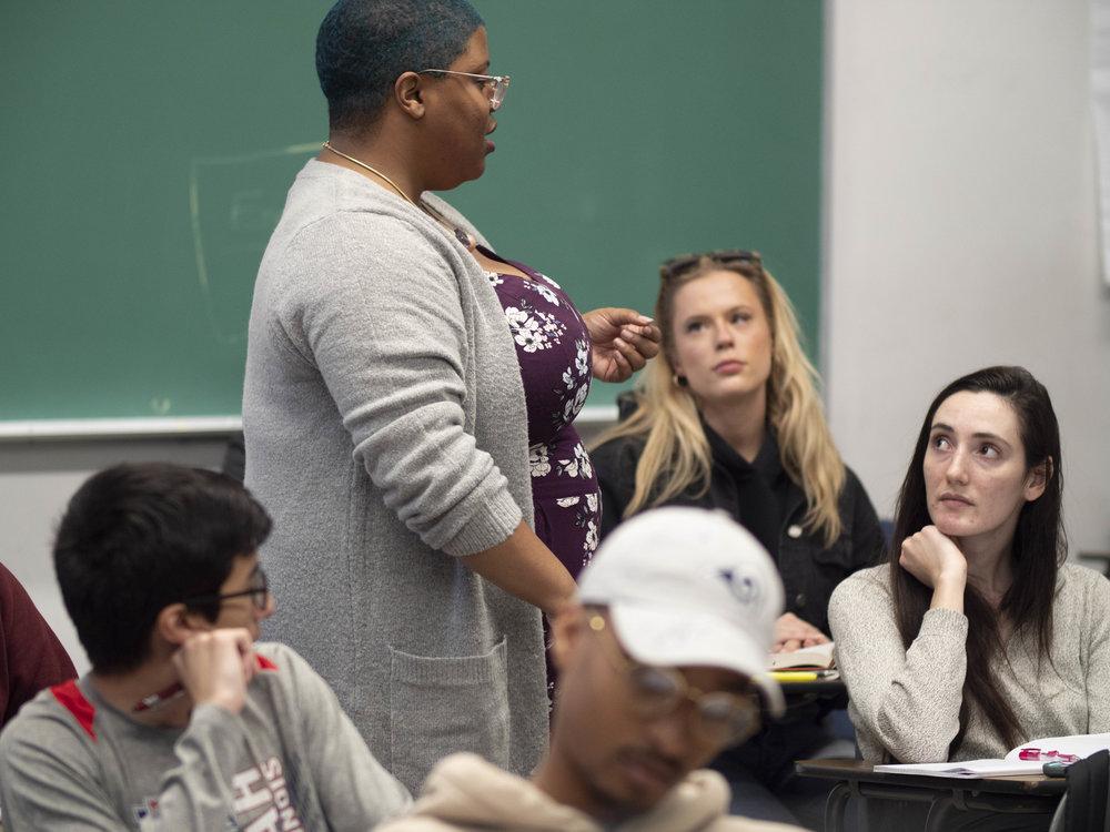 Bridgette Robinson engages students in her English composition class at Drescher Hall, at Santa Monica College, Santa Monica, California.  (Victor Noerdlinger/Corsair Staff)
