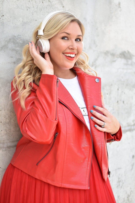headphones 1205.jpg