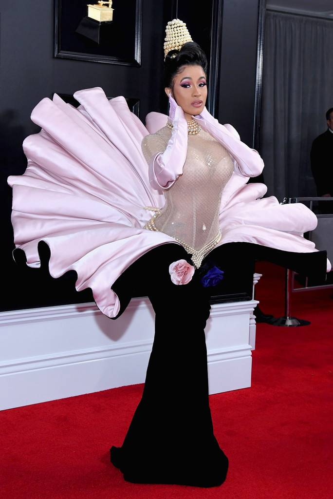https://akns-images.eonline.com/eol_images/Entire_Site/2019110/rs_684x1024-190210165835-634.20-2019-grammy-awards-red-carpet-fashions-cardi-b.jpg?fit=inside 900:auto&output-quality=90