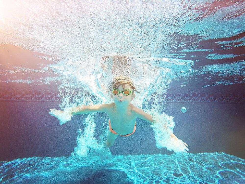 ACTION_Finn Swimming_G0302141.jpg