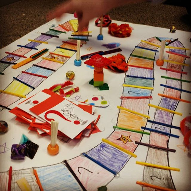Third day of developing board games with 4th, 5th and 6th graders. 140 pupils, all in all. So much crafting and creativity! 😄 #gamedesign #boardgames #boardgame #game #games #gamedev #crafting #learninggames #gamebasedlearning #gbl21 #21centuryskills #tw