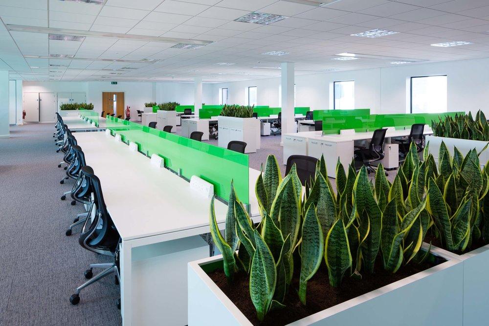 Workstations & Desks