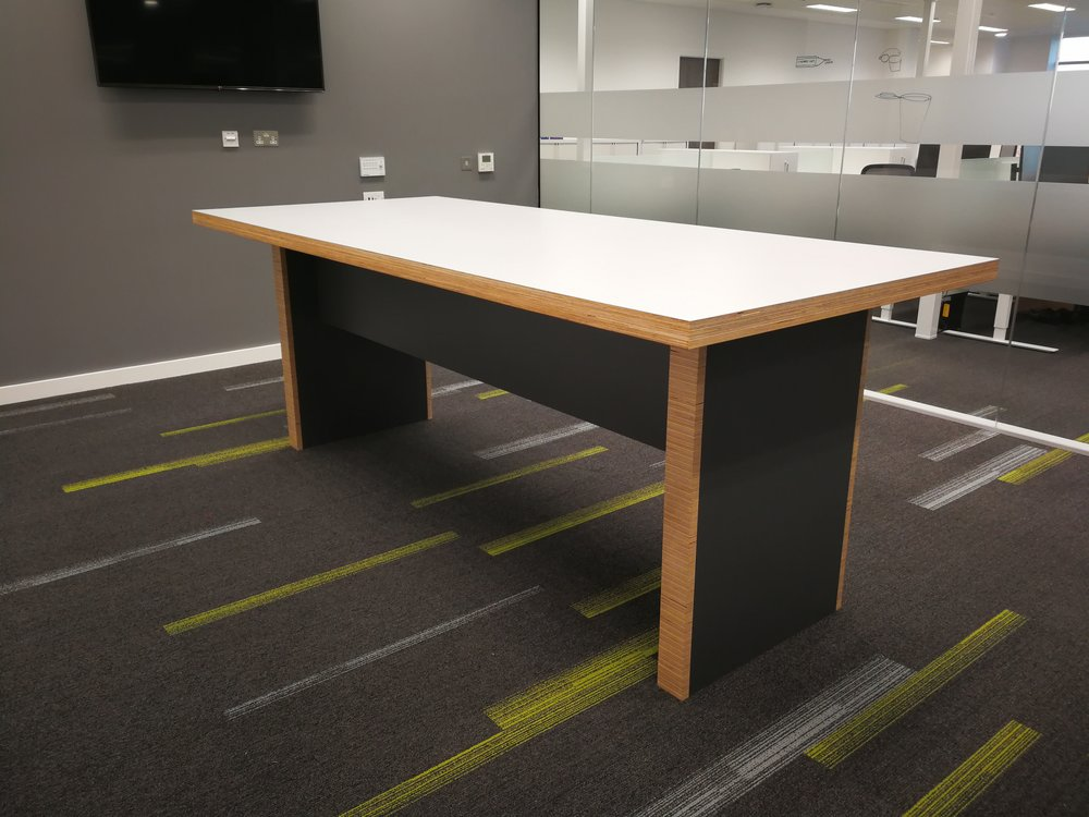 High Collaboration Table