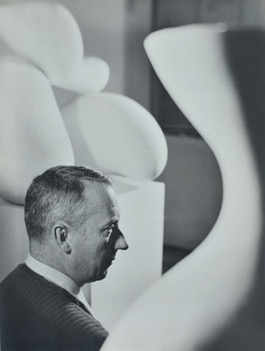 h. Florence Henri, Portrait de Jean Arp, 1934 circa, 23,8x17,7 cm. Galleria Martini & Ronchetti