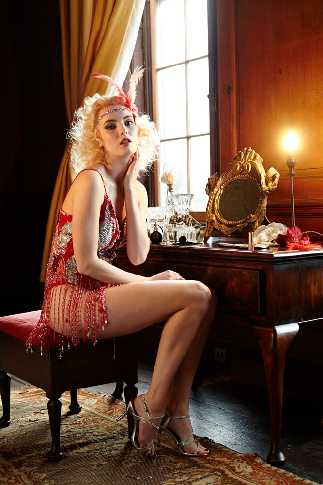dressing_table_1920s_glamour.jpg