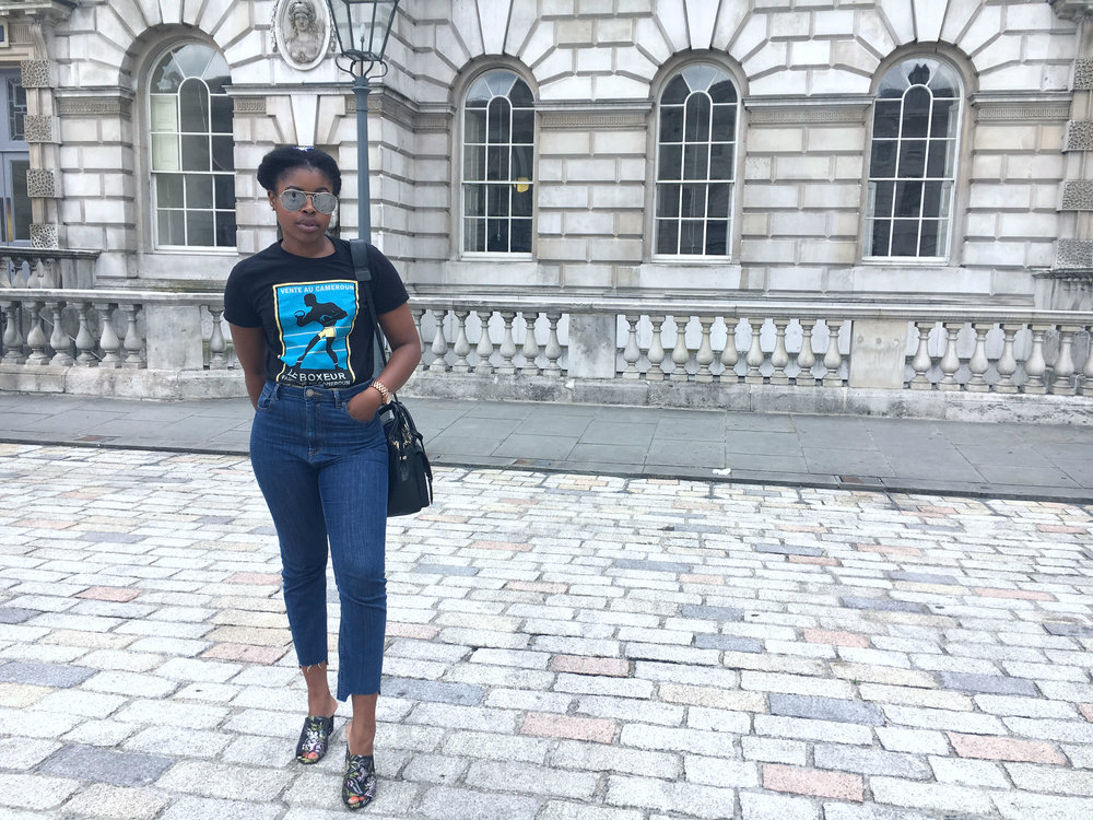 How to Style the Jeans and T-shirt combo