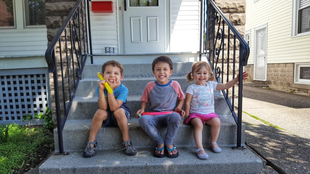 Jibs hanging with their best pal (and cousin), Penelope!
