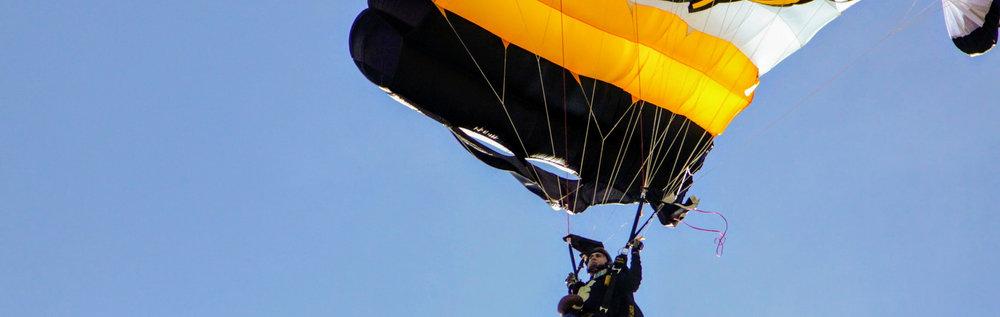 Parachuete-Duke.jpg