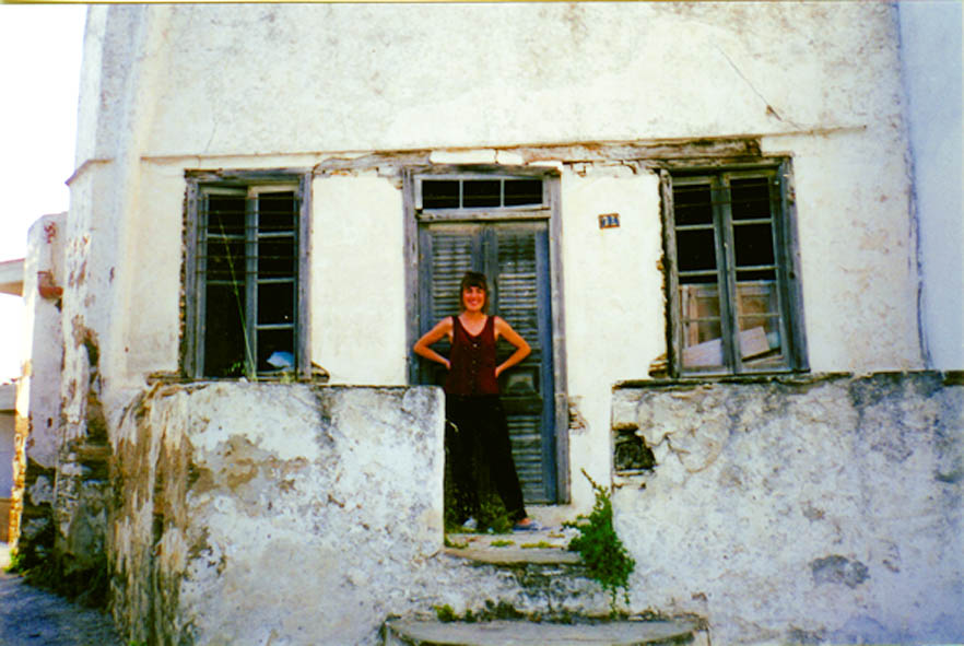 Theocharopoulou in front of her home in Sifnos prior to renovations. Courtesy of the author.