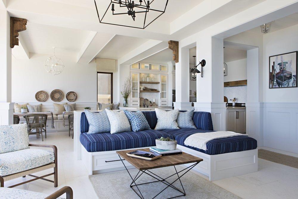 4 - 6 Living Room.jpg