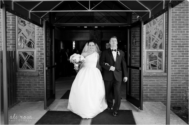 Rhode Isalnd wedding photographer Wannamoisett Country Club_0021.jpg