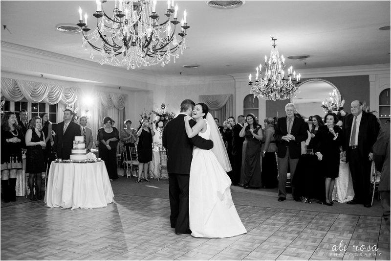 Rhode Isalnd wedding photographer Wannamoisett Country Club_0031.jpg