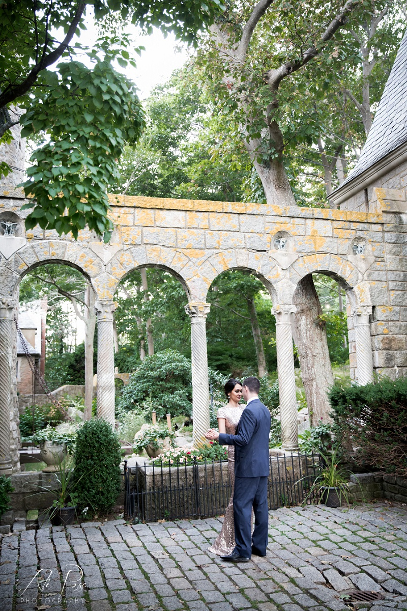 Hammond Castle engagement photos_27.jpg