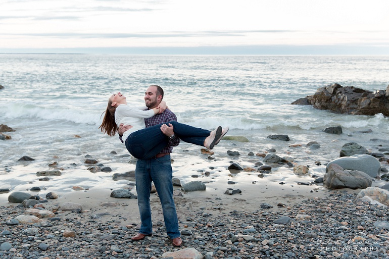 marginal way ogunqui maine engagement photost 43