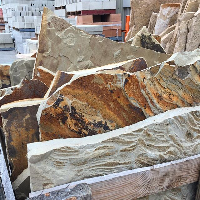 More flagstone shopping  #socal #gardendesign #California #flagstone #gardening #softset #gardenmagiccompany