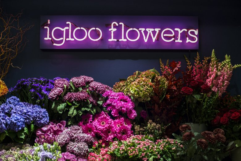 Igloo-Flowers-Neon-Sign-Front1.jpg