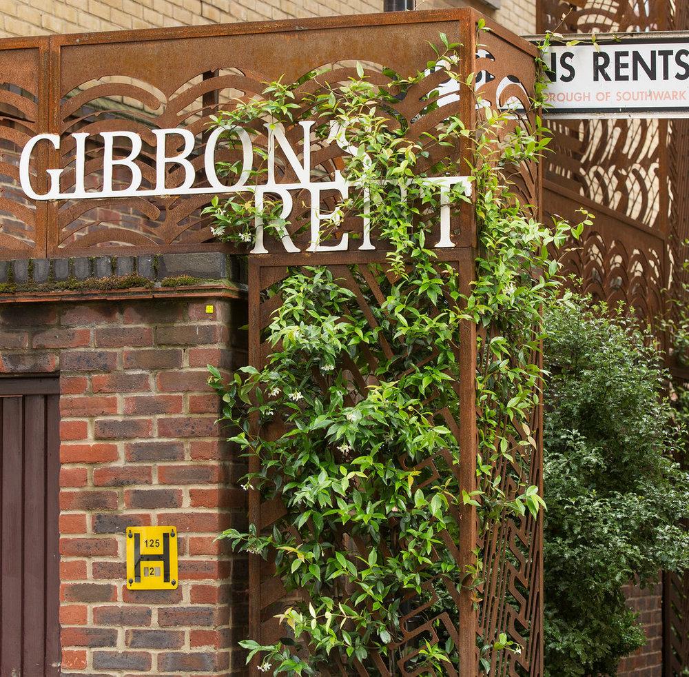 Gibbon's Rent Secret Garden