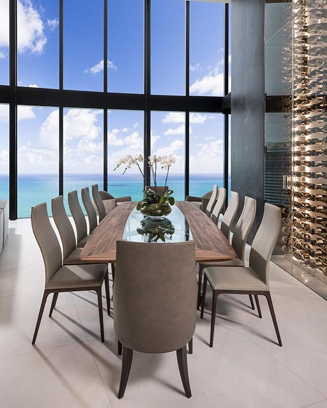 #photooftheday #miami #GC #buildlikealocal  #stambulusa #miamidevelopers #development #buildings #boutiqueconstructionfirm #remodeling #housing #construction #luxury #quality #efficiency #familybusiness #creative #residentialprojects #witnessthenewdowntown