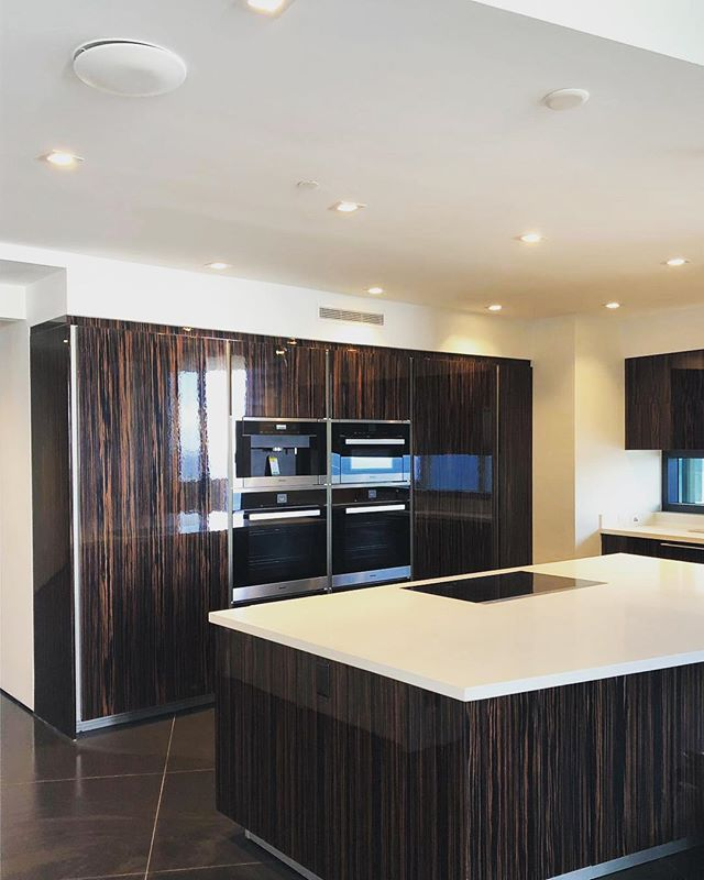 #photooftheday #miami #GC #buildlikealocal  #stambulusa #miamidevelopers #development #buildings #boutiqueconstructionfirm #remodeling #housing #construction #luxury #quality #efficiency #familybusiness #creative #residentialprojects #kitchendesign #familymoments