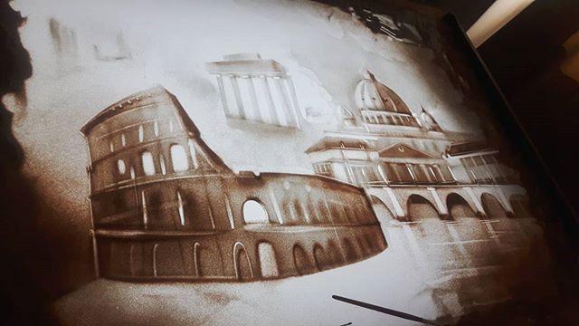 In corso😉 In process  #inprocess #sandmalerei #sandshow #Sandartshow #irinatitova #sandart #sandartist #art #show #gala #process #kunst #italy #italia