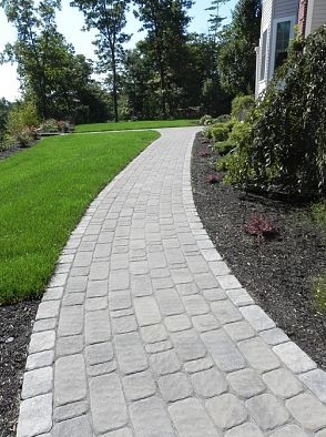 Leading landscaper in Concord, NH for paver walkway