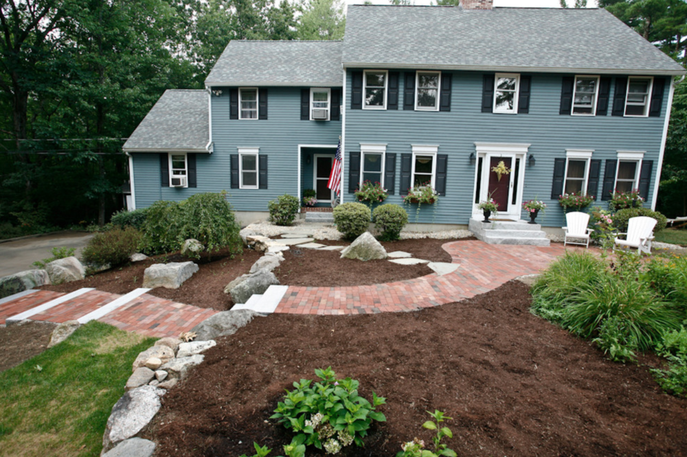 Milford, NH top landscaper for paver walkway
