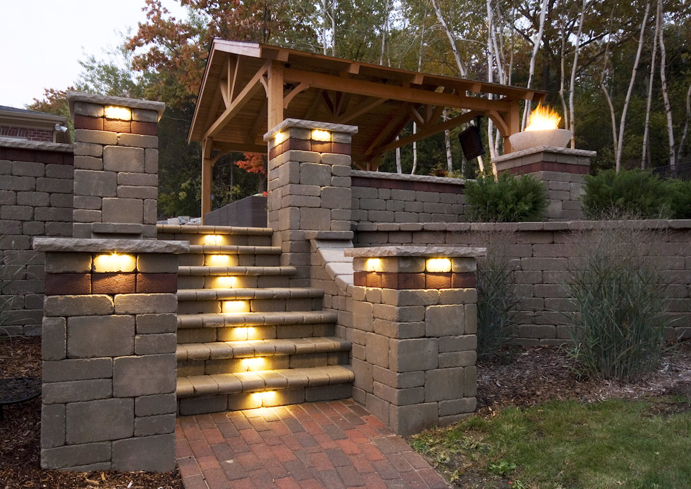 Outdoor Lighting Tips For Adding Curb Appeal In Newton NH : adding outdoor lighting - www.canuckmediamonitor.org