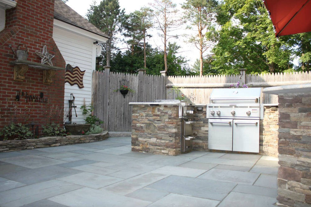 3 Landscaping Tips for Building a Beautiful Bluestone Patio in Your Laconia, NH, Backyard