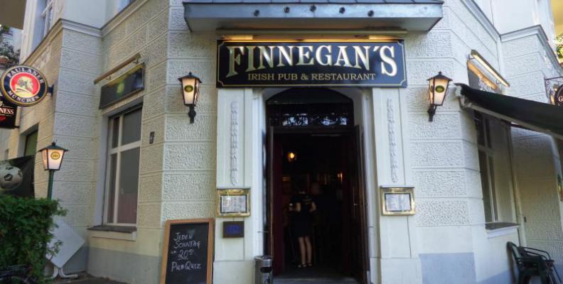 finnegans_irish-pub-restaurant_foto_top10berlin_aussen_2.jpg