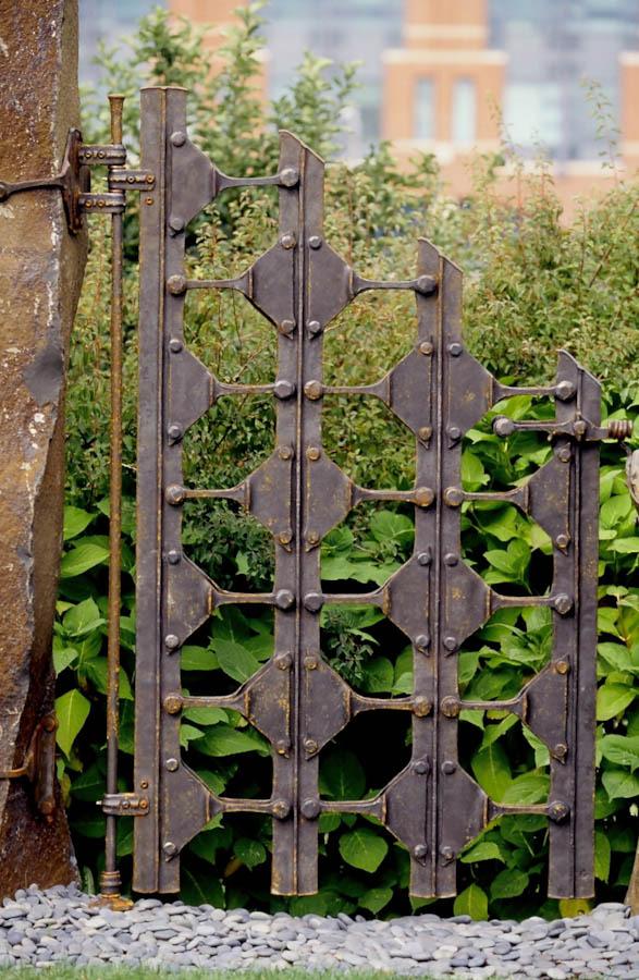 gates-4.jpg