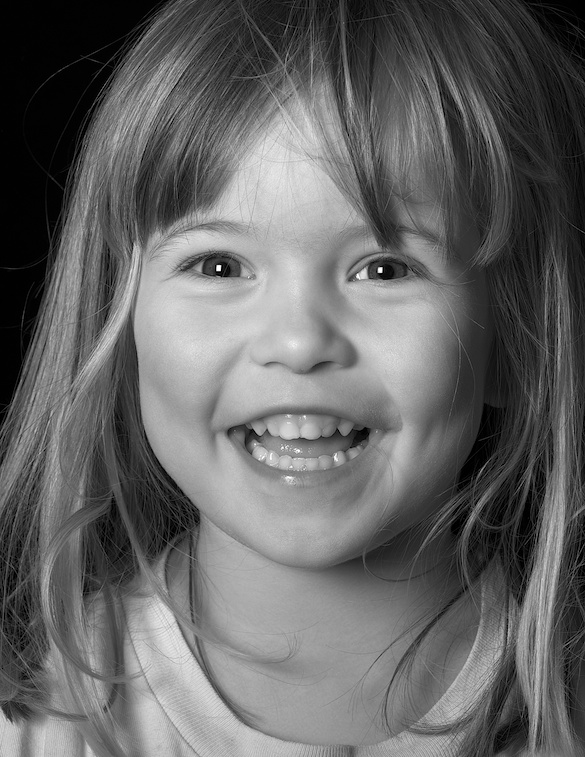 Emily b&w with D800 at ISO 50