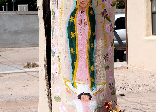 2405 Calle de Santiago Stump on private residence Tempera paint Precilliana Sandoval Date unknown