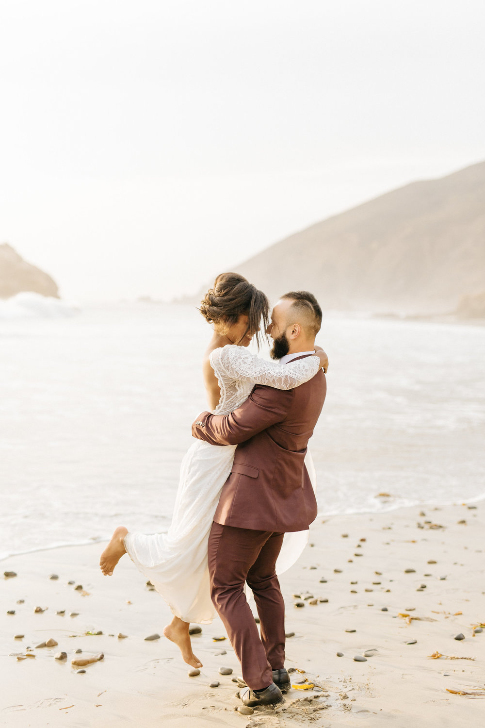 Big Sur intimate wedding ceremony