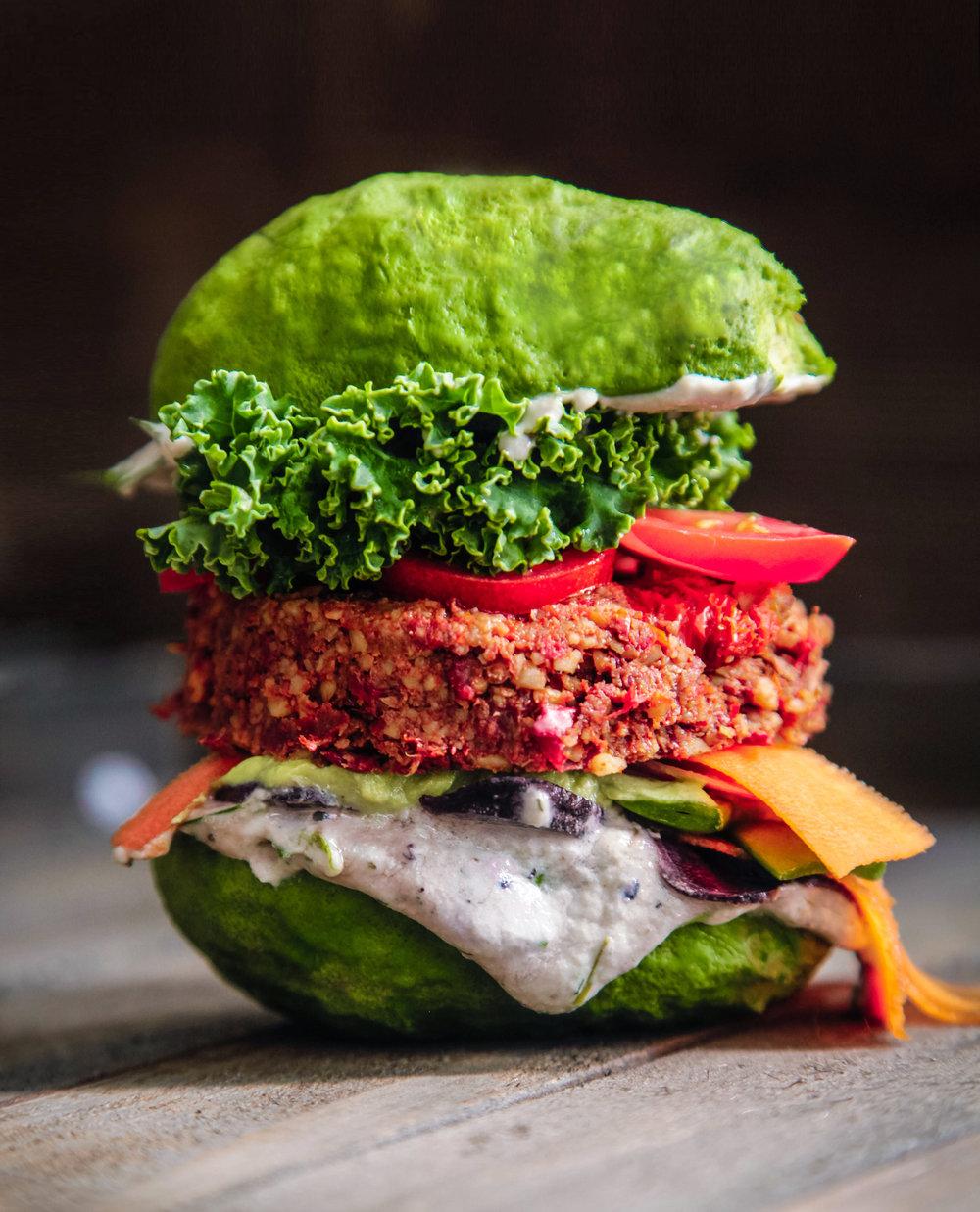 avocacdo_burger2.jpg