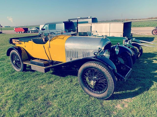 Perfect day with members of the Vintage Sports Car Club today. Cars including this beautiful Bentley. #blytonpark #clubday #vscc