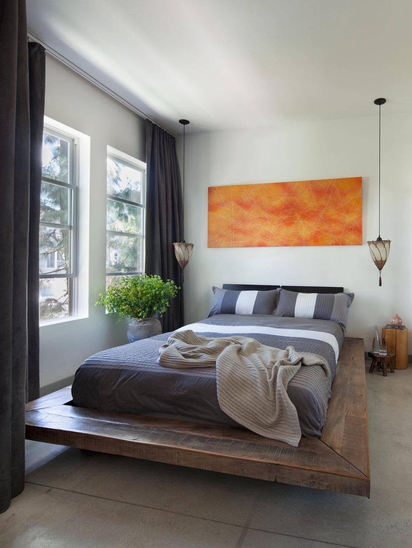 1_master bed_w2e.jpg