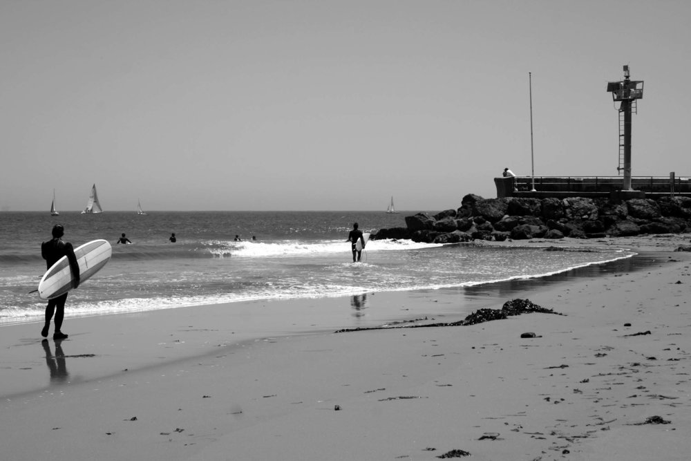 Sandspit 5-20-05-Look on to wave BW.jpg