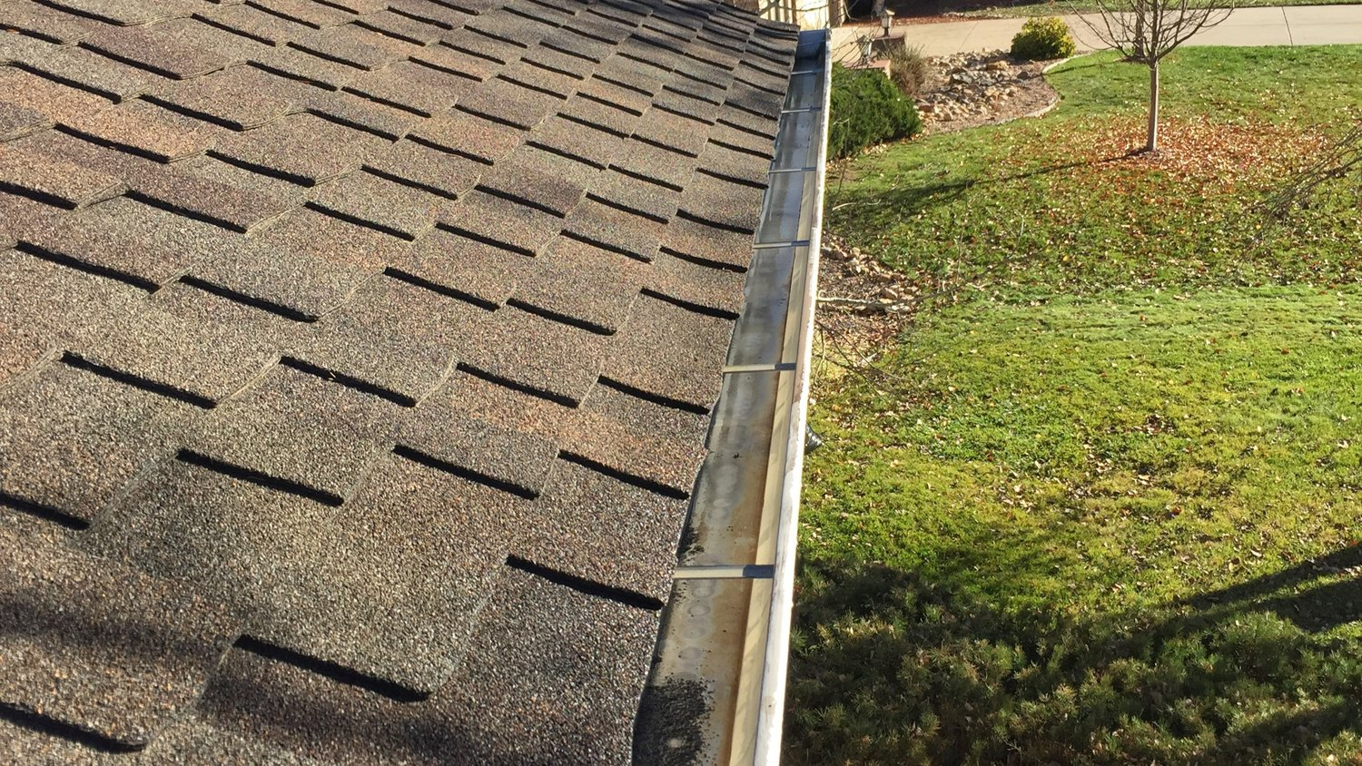 Gutter Cleaning In Lake Forest Il
