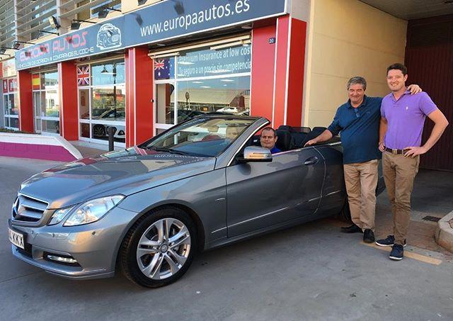 Nuestro clientes nuestro amigos #enhorabuena familia!! #mercedesbenz #descapotable #amigos #familia #malaga #costadelsol #andalucia #spain #españa #compraventa #coches #minuevocoche