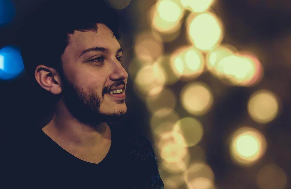 beard-blur-bokeh-594171.jpg